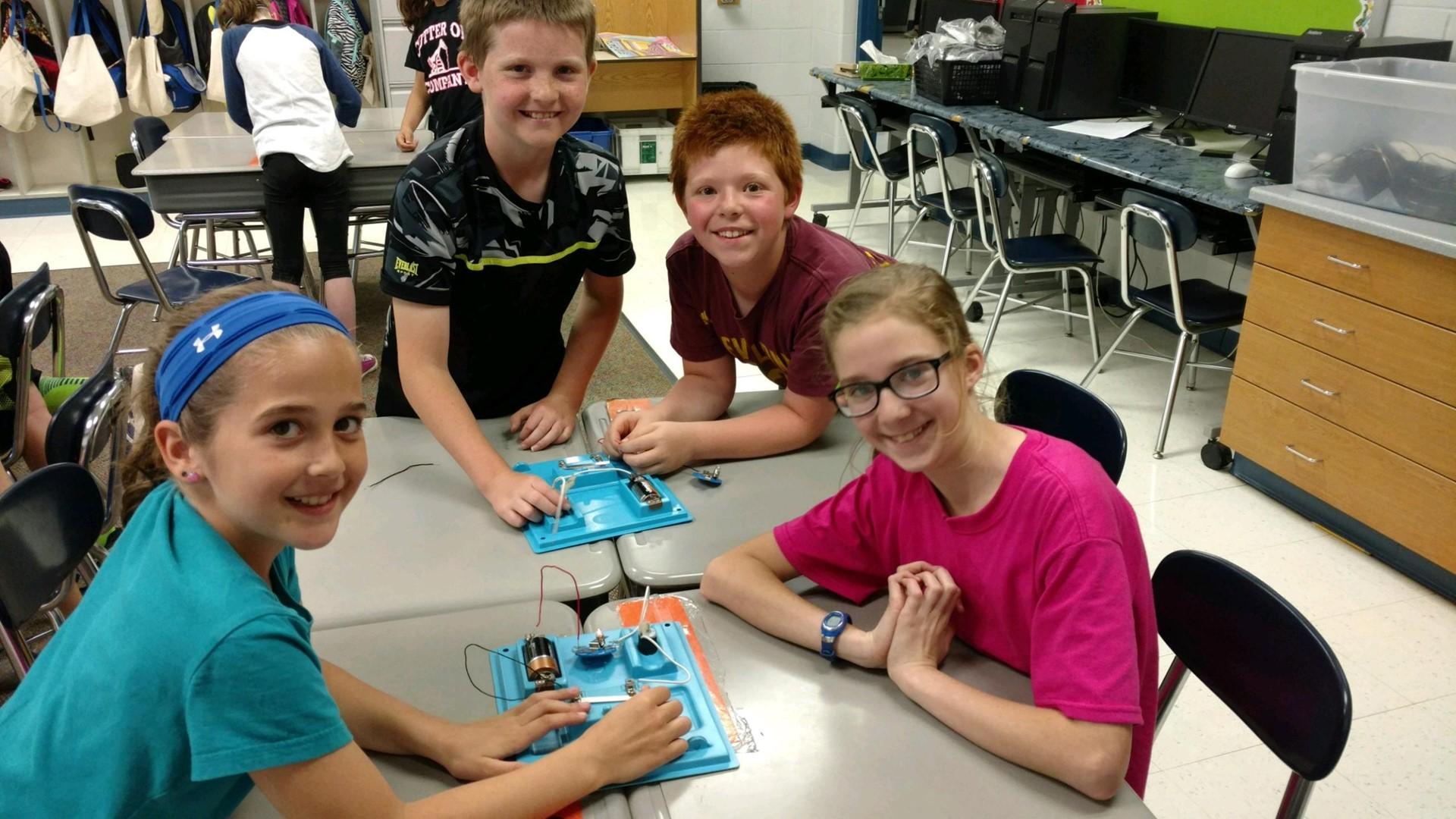 4th Grade exploring electrical circuits!