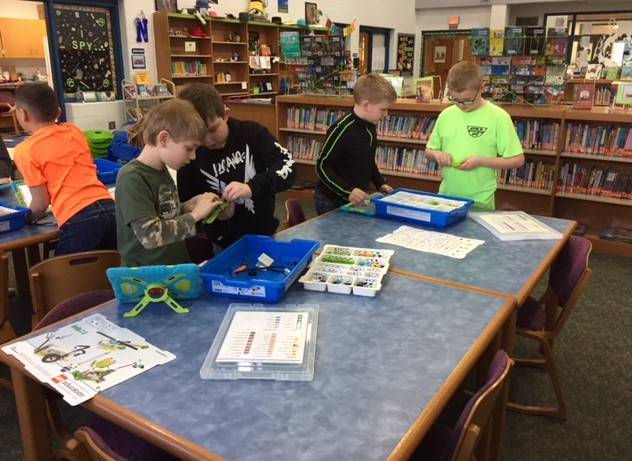 Mrs. Stagg's 3rd grade class practicing coding with Lego We-do and Ozobots