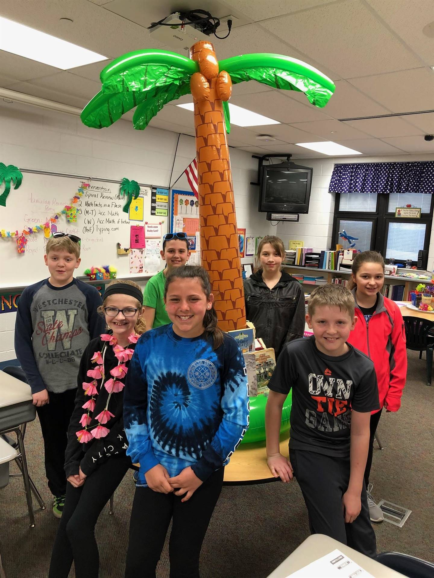 5th Gr Rewards Day - Hawaiian Day!