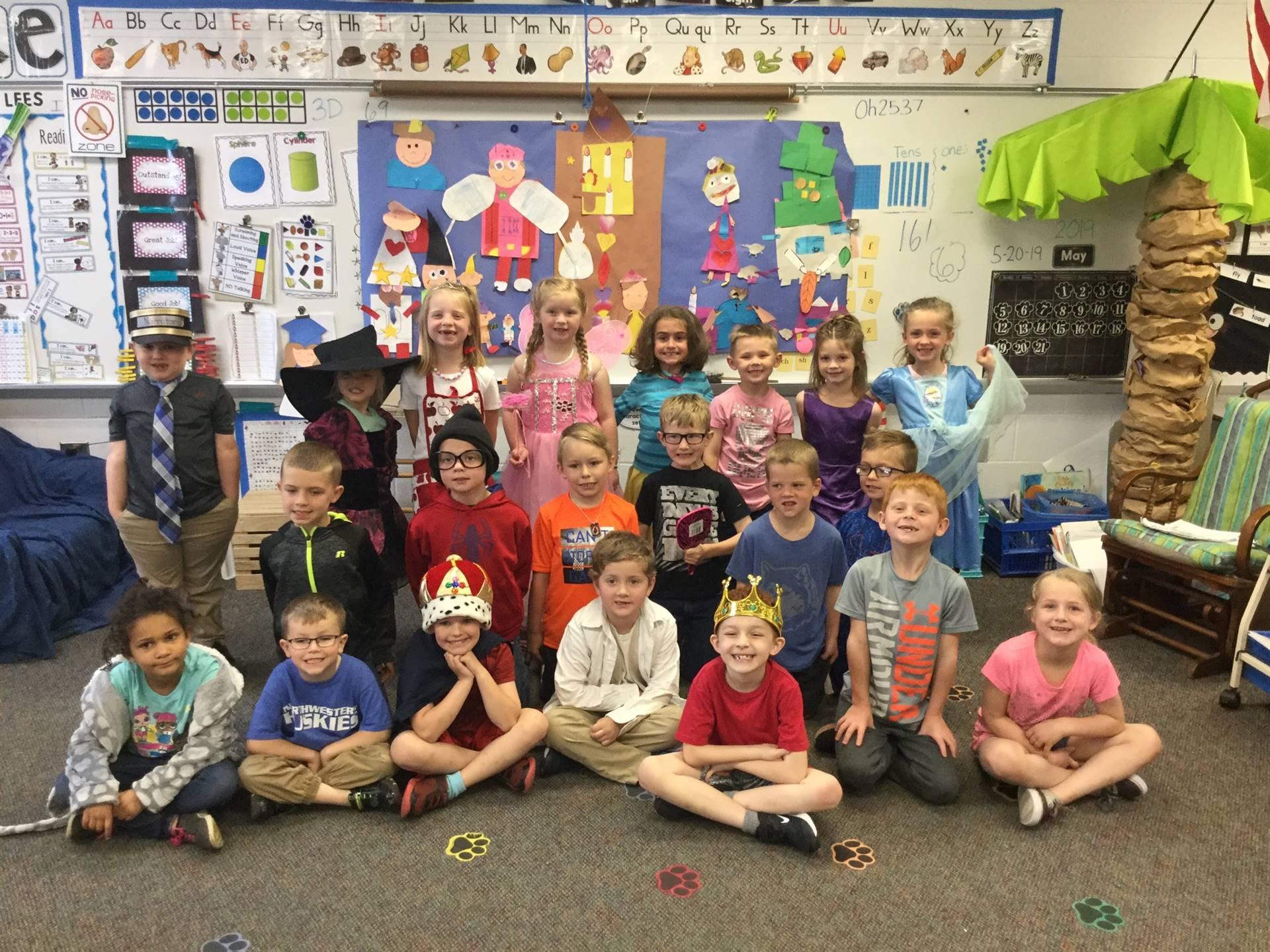 Mrs. Lees - Kindergarten Reader's Theatre